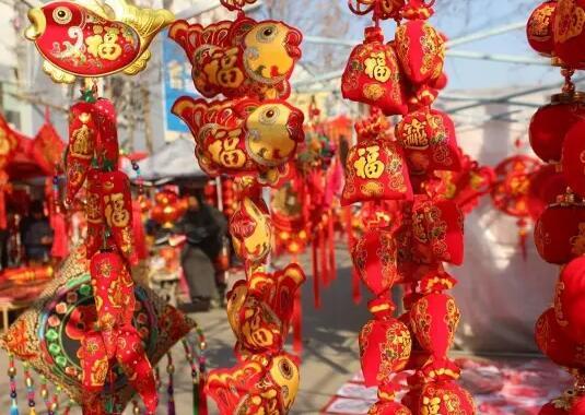 东海城区增设临时摊点 丰富节日市场